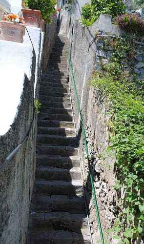 italy-praiano-tpt-stairs1